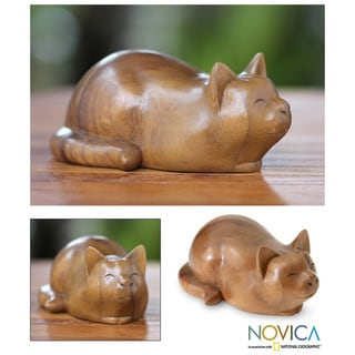 Handmade Suar Wood 'Kitty Cat Bliss' Sculpture (Indonesia)