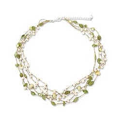 Peridot and Pearl 'Cloud Forest' Necklace (4-7 mm) (Thailand)