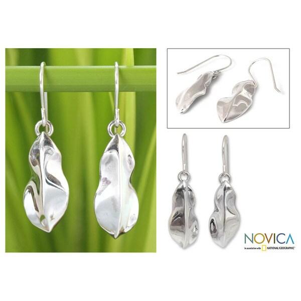 Sterling Silver 'Rain Forest Leaf' Earrings (Thailand)
