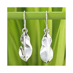 Sterling Silver 'Rain Forest Leaf' Earrings (Thailand)
