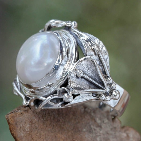 Nest Of Lilies Handmade Artisan Fashion Accessory Vintage Flower Sterling Silver White Pearl Gemstone Jewelry Ring (Indonesia)