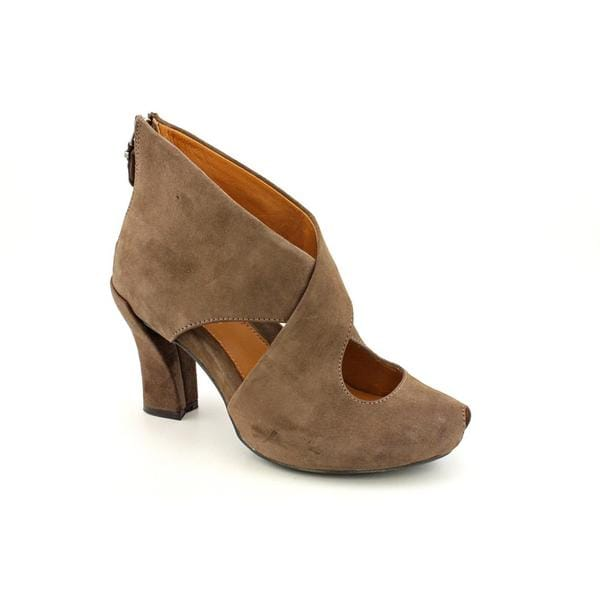 Earthies Women's 'Syriana' Regular Brown Suede Boots