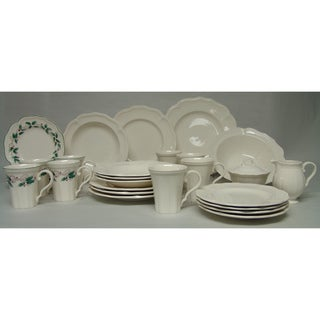 Red Vanilla Classic White Holiday 28 Piece Dinner Set