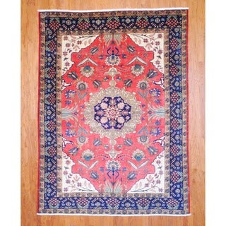 Persian Hand-knotted Heriz Red/ Navy Wool Rug (7'9 x 10'3)