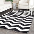 Handmade Chevron Black/ Ivory Wool Rug (6&#39; x 9&#39;)