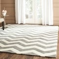 Handmade Chevron Dark Grey/ Ivory Wool Rug (8' x 10')
