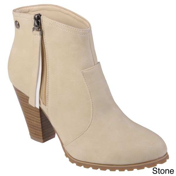Hailey Jeans Co. Women's 'Irvine' Round Toe Sueded Bootie
