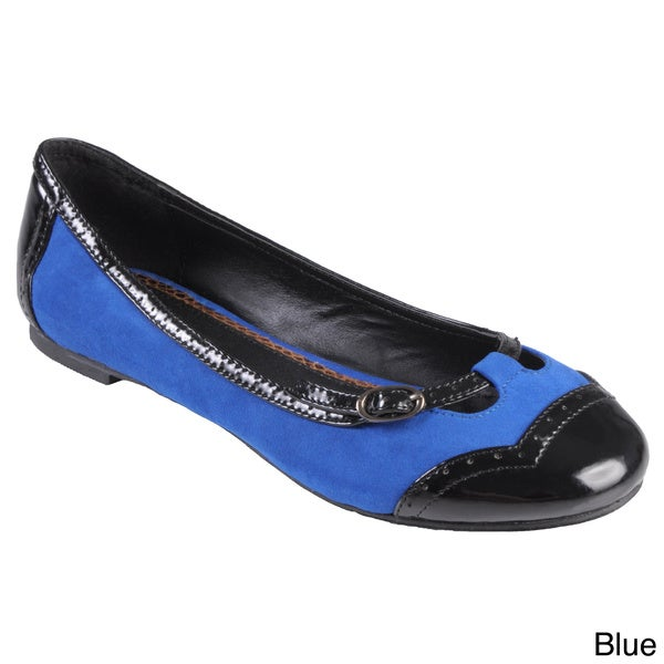 Hailey Jeans Co Women's 'King' Buckle Detail Round Toe Flats