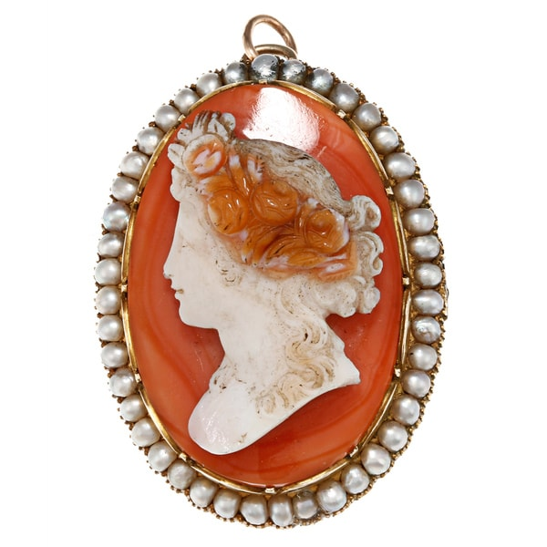 18k Yellow Gold Cameo and Freshwater Pearl Estate Brooch (2.6 mm)