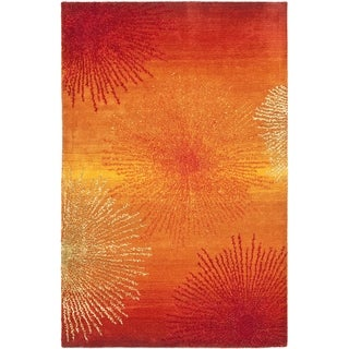 Handmade Soho Burst Rust New Zealand Wool Rug (2'6 x 4')