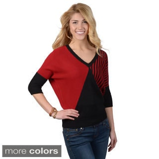 Journee Collection Juniors Three-quarter Sleeve V-neck Sweater