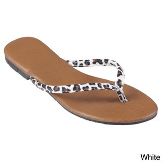 Journee Collection Women's 'Gavina' Leopard Print Flip-flops
