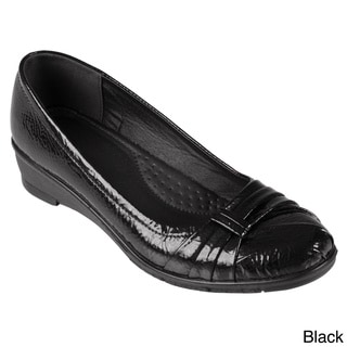 Journee Collection Women's 'Liz-08' Faux Leather Patent Loafers