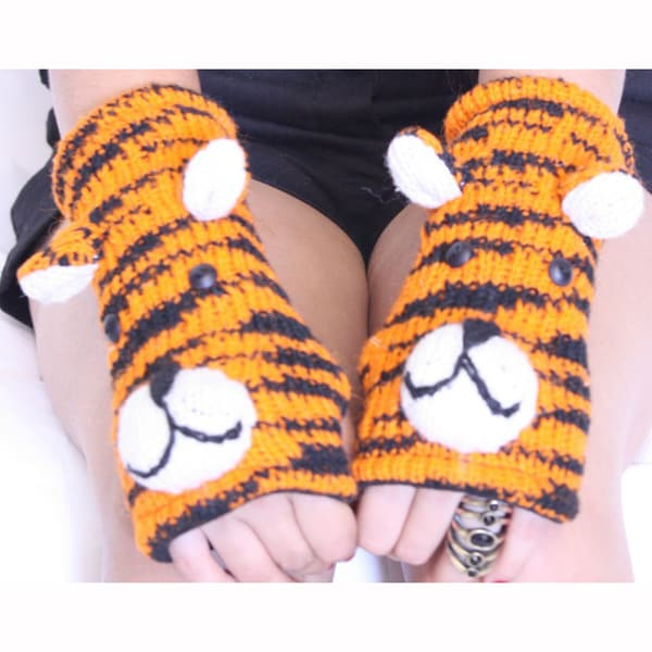 Tiger Wool Arm Warmer (Nepal)