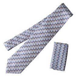 Boston Traveler St. P Men's Microfiber Tie and Hanky Set