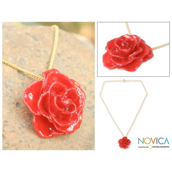 Gold Overlay 'Sweet Scarlet' Natural Rose Necklace (Thailand)