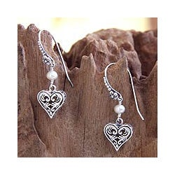 Sterling Silver 'Love in Nature' Pearl Earrings (5 mm) (Indonesia)