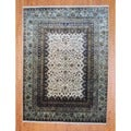 Indo Hand-knotted Ivory/ Light Green Wool Rug (8' x 10')