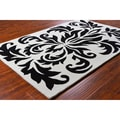 Allie Handmade Black and White Wool Rug (5' x 7'6)