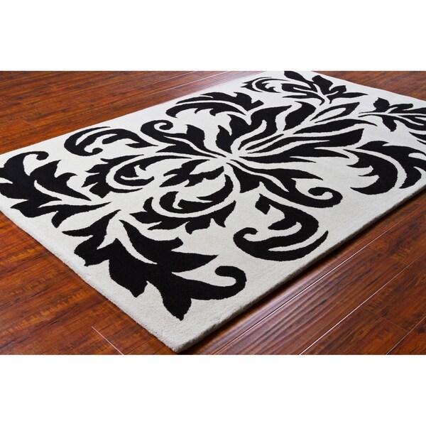 Allie Handmade Black and White Wool Rug (5' x 7'6)