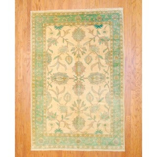 Egyptian Hand-knotted Vegetable Dye Beige/ Light Green Wool Rug (5'6 x 8'6)