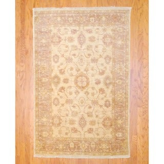 Afghan Hand-knotted Vegetable Dye Beige/ Light Brown Wool Rug (4'10 x 7'3)