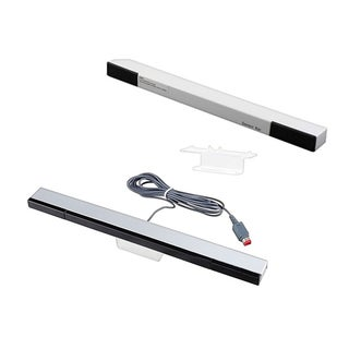 INSTEN Wireless Sensor Bar/ Black Wired Sensor Bar for Nintendo Wii