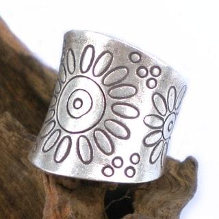 Thai Karen Artsy Sunflower Fine Silver Wrap Ring (Thailand)