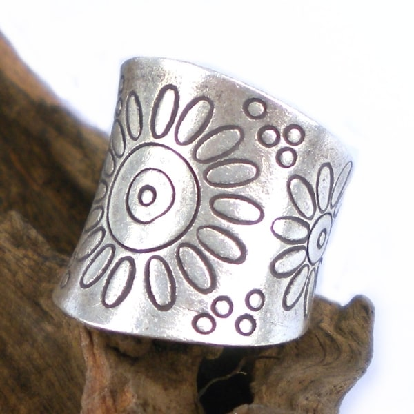 Thai Karen Artsy Sunflower Fine Silver Wrap Ring (Thailand)