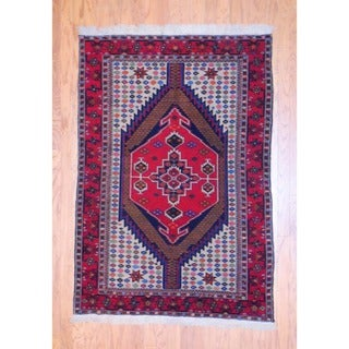 Persian Hand-knotted Tribal Kurdish Red/ Navy Wool Rug (4'2 x 6')