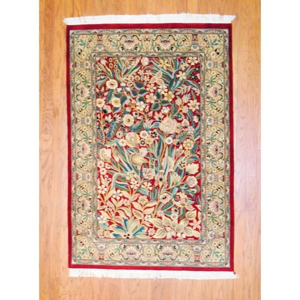 Pakistani Hand-knotted Isfahan Red/ Green Wool Rug (4'1 x 6'1)