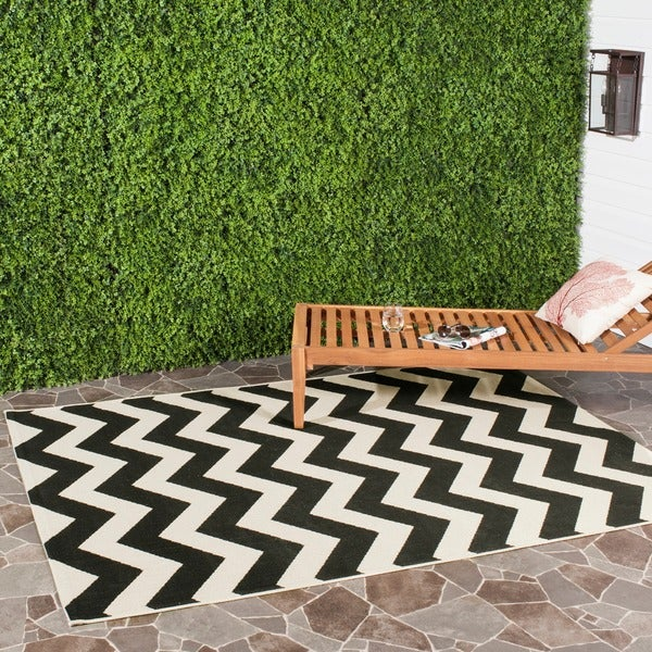 Safavieh Courtyard Black and Beige Indoor Outdoor Rug