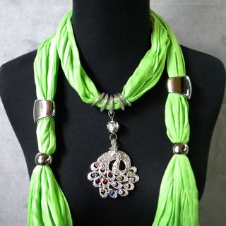 Pea Gree Fashion Jewelry Scarf with Multi-Color Peacock Pendant