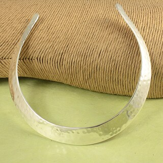 Handcrafted Silver-plated Hammered Brass Everyday Choker Necklace (India)