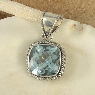 Sterling Silver Blue Topaz Cable Bali Pendant (Indonesia)