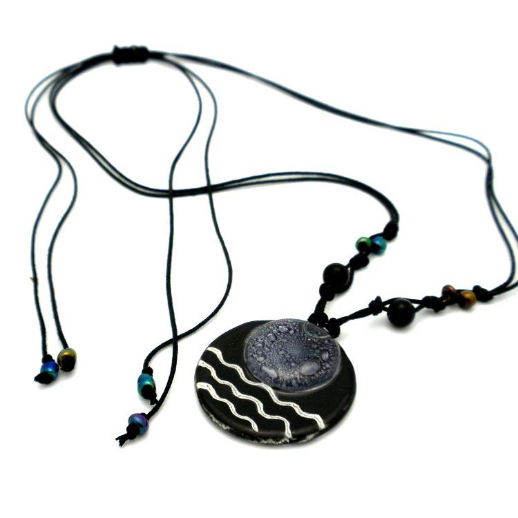 Cotton and Fused Glass Black/ White Wavy Disk Necklace (Chile)