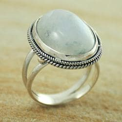 Sterling Silver Rainbow Moonstone Oval Split Shank Ring (Indonesia)
