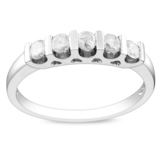 Haylee Jewels Sterling Silver 1/2ct TDW Diamond Anniversary Ring (J-K, I3)