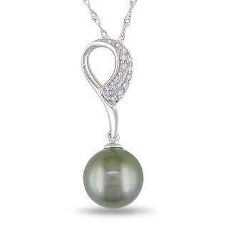 Miadora 10k Gold Tahitian Pearl and 1/10ct TDW Diamond Necklace (H-I, I2-I3)