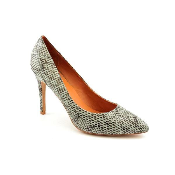 Pour La Victoire Women's 'Quinn' Animal Print Dress Shoes