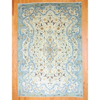 Persian Hand-knotted Kashan Light Green/ Green Wool Rug (8' x 11'7)