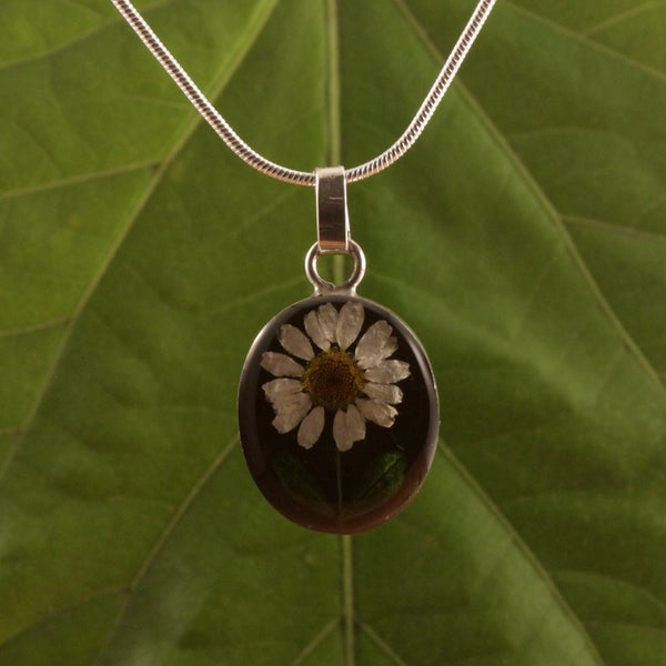 Sterling Silver Daisy Necklace (Mexico)