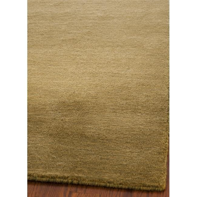 Safavieh Loomed Knotted Himalayan Solid Green Wool Rug (4' x 6')
