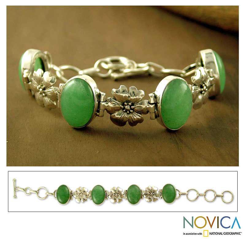 Sterling Silver 'Delight' Aventurine Flower Bracelet (India)