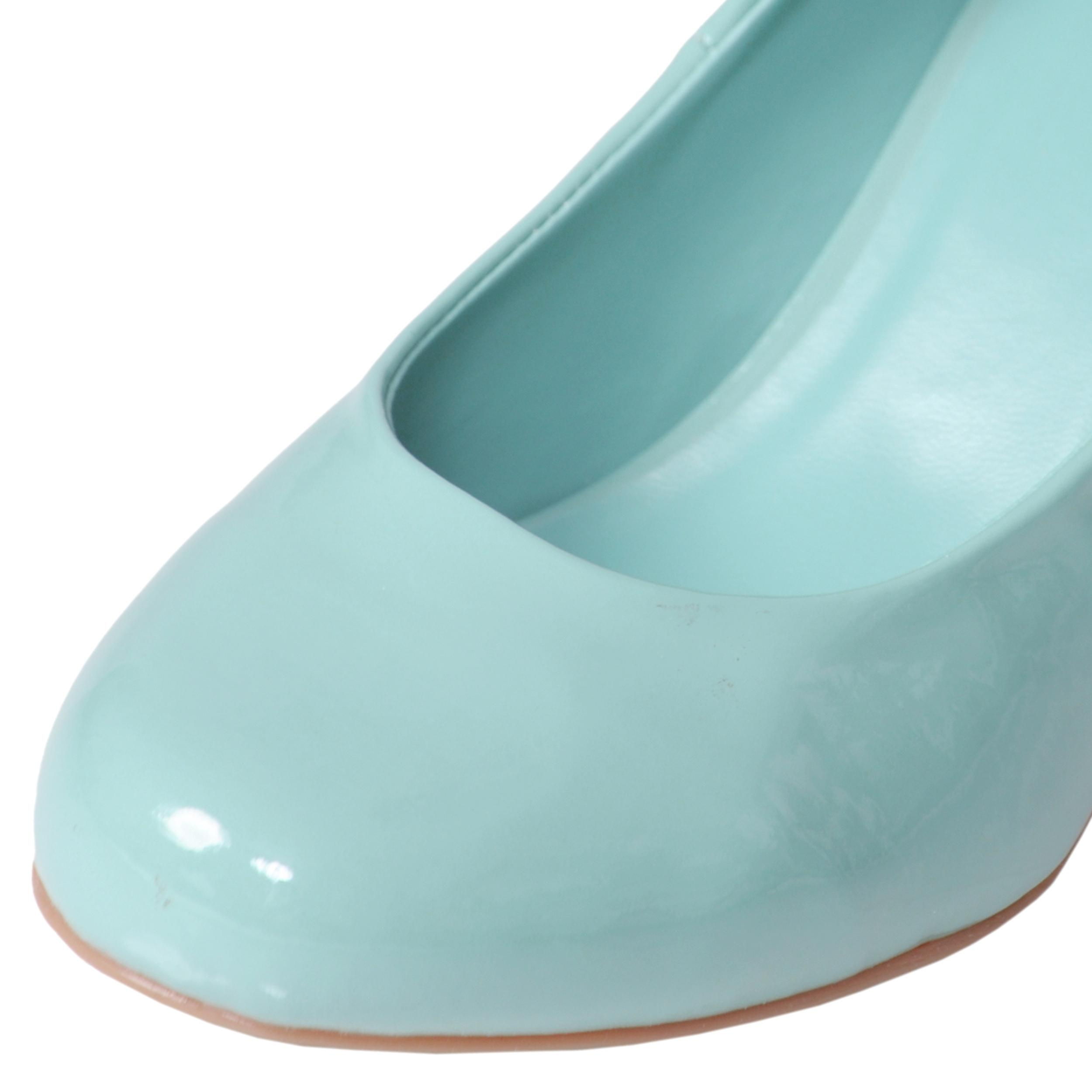 Adi Designs Women's 'Yell' Glossy Round Toe Pumps