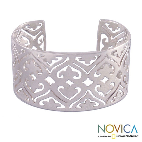 Handcrafted Sterling Silver 'Queen of Hearts' Cuff Bracelet (Mexico)