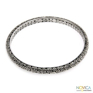 Sterling Silver 'Temple' Large Bangle Bracelet (Indonesia)