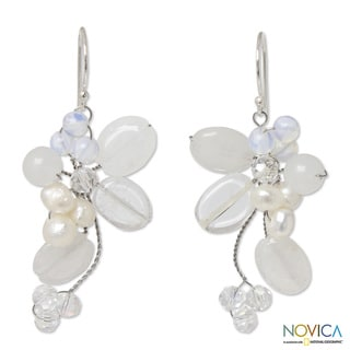 Quartz 'Radiant Bouquet' Pearl Earrings (4 mm) (Thailand)