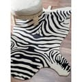 Hand-tufted Alexa Animal Shape Zebra Black Wool Rug (6&#39; x 9&#39;)