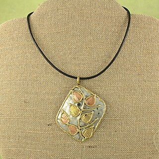 Handcrafted Copper and Brass Leaf Vine Necklace (India)